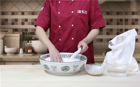 小米面发糕发酵泡打粉的用法简介,泡打粉的和面方法