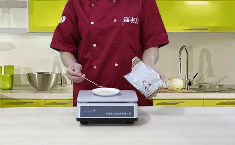 高粱面发糕发酵泡打粉的用法简介,称量酵母