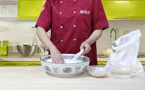 高粱面发糕发酵泡打粉的用法简介,泡打粉的用法