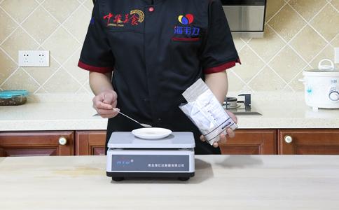 发面烤饼发酵泡打粉的用法简介,称量酵母