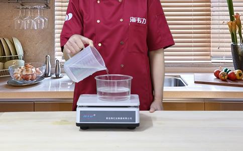 荷叶饼发酵泡打粉的用法简介,称量水